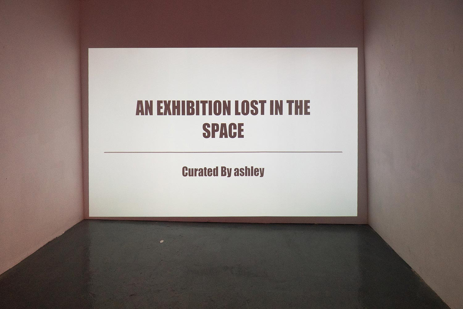 Custom exhibition title projection